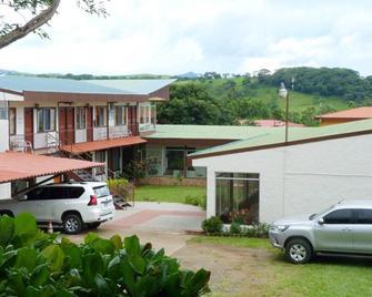 Hotel Naralit - Tilarán - Edificio