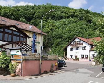 Landhotel Berg - Dannenfels - Buiten zicht