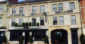 The Black Swan Hotel - Devizes - Building