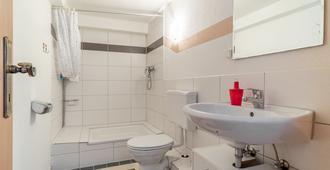 Private Apartment Krugstraße - Hannover - Bathroom