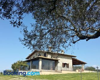 Villa Klinai - Cerveteri - Building