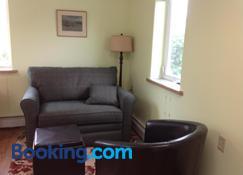 A Suite Alaskan Inn - Fairbanks - Sala de estar
