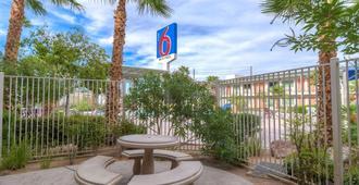 Motel 6 Las Vegas Tropicana - Las Vegas - Edificio
