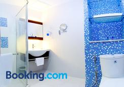 Celyn Hotel, City Mall - Kota Kinabalu - Bathroom