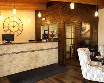Northern Lights Inn Rugby - Rugby - Front desk