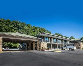 Quality Inn & Suites Mt. Chalet - Clayton - Edificio