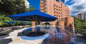 Hotel Dann Carlton Belfort Medellin - Medellín - Havuz