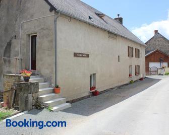 Maison le Barrage - Sauret-Besserve - Building
