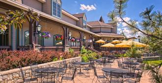 Lake Tahoe Resort Hotel - סאות' לייק טאהו - פטיו
