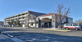 Ramada Plaza by Wyndham Albuquerque Midtown - אלבקורקי - בניין