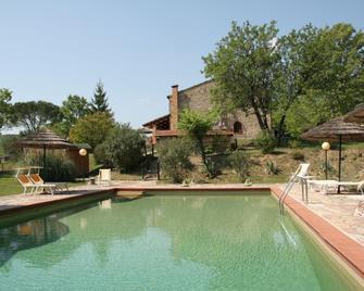 Campo Di Carlo - Sassetta - Zwembad