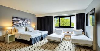 Radisson Blu Scandinavia Hotel, Düsseldorf - דיסלדורף - חדר שינה