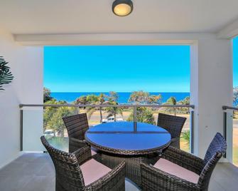 The Point Resort - Bundaberg - Balcony
