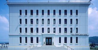Van CortLandt Hotel - Aira