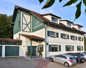 Landhotel Jungbrunnen - Bad Brambach - Gebouw