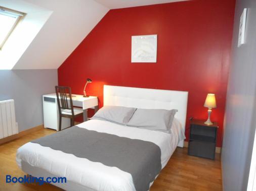 Maison d'hôtes Les Bruyeres - Livaie - Bedroom
