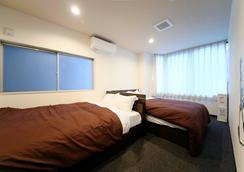 Roots Hostel - Osaka - Bedroom