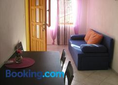 Apartments Knezic - Igrane - Phòng khách