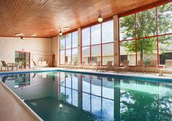 Best Western PLUS York Hotel & Conference Center - York - Piscine