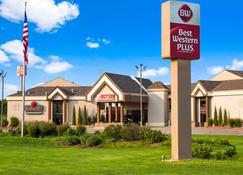 Best Western PLUS York Hotel & Conference Center - York - Building