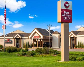 Best Western PLUS York Hotel & Conference Center - York - Edificio