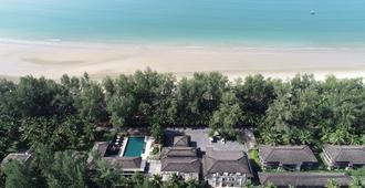 The Grand Southsea Khaolak Beach Resort - Khao Lak - Näkymät ulkona