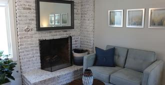 Beautifully Remodeled Unit Right In The Heart Of Belmont Shore!!! - Long Beach - Sala