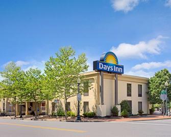 Days Inn by Wyndham Silver Spring - Silver Spring - Edificio