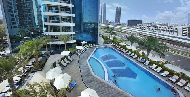 阿塔納酒店 - 杜拜 - 游泳池