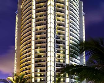 Trump International Beach Resort - North Miami Beach - Building