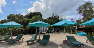 The Pipes Resort - Koh Rong Sanloem - Innenhof