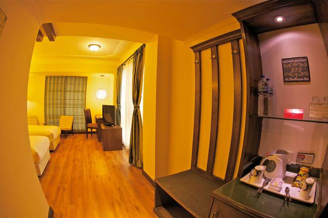 Kathmandu Guest House By Kgh Group - Kathmandu - Living room