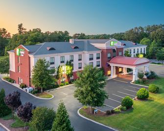 Holiday Inn Express Hotel & Suites Tullahoma, An IHG Hotel - Tullahoma - Budova