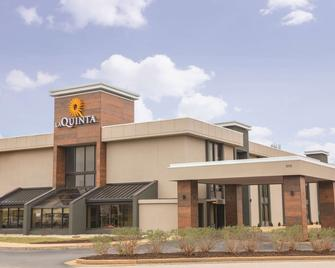 La Quinta Inn & Suites by Wyndham Festus - St. Louis South - Festus - Building