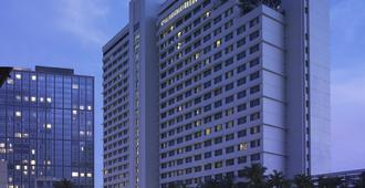 New World Makati Hotel - Makati - Building