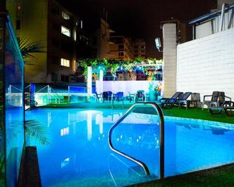 Grand International Hotel - Panama Stadt - Pool