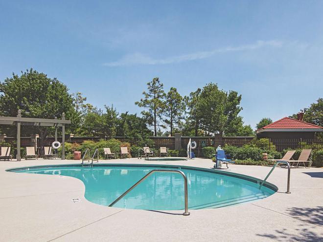 La Quinta Inn & Suites by Wyndham Oklahoma City - NW Expwy - Oklahoma City - Pool