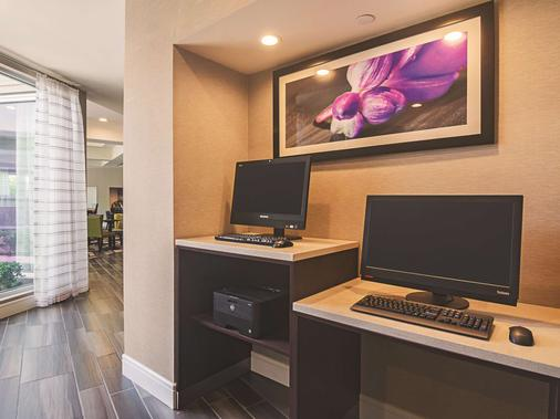 La Quinta Inn & Suites by Wyndham Oklahoma City - NW Expwy - Oklahoma City - Liikekeskus