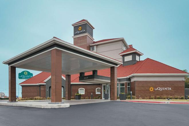 La Quinta Inn & Suites by Wyndham Oklahoma City - NW Expwy - Oklahoma City - Building