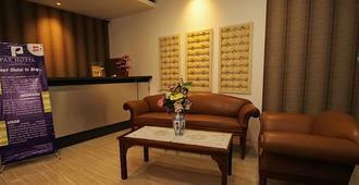 Pax Hotel Jakarta - Yakarta - Recepción