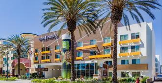 Hotel Indigo Anaheim - Anaheim - Building