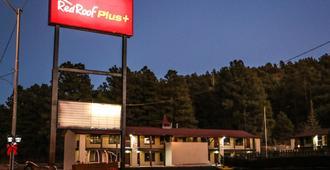 Red Roof Inn Plus+ Williams - Grand Canyon - Williams - Edificio