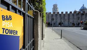 Hostel Pisa Tower - Pisa - Vista esterna