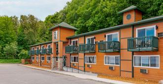 Econo Lodge Lakeview - Marquette