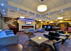Best Western Plus Toronto Airport Hotel - Mississauga - Lounge