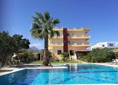 Stork Hotel - Iraklio - Bazén