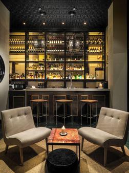 H10 Itaca - Βαρκελώνη - Bar