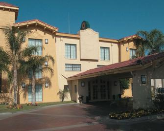 La Quinta Inn by Wyndham Bakersfield South - Bakersfield - Building