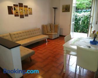 Buona vacanza - Arenzano - Living room