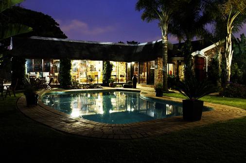 Amani Guest Lodge - Port Elizabeth - Bể bơi